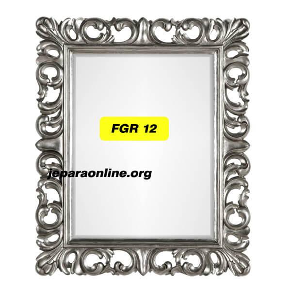 Mirror Model Prancis