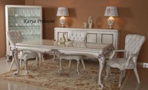 Meja Makan Saray